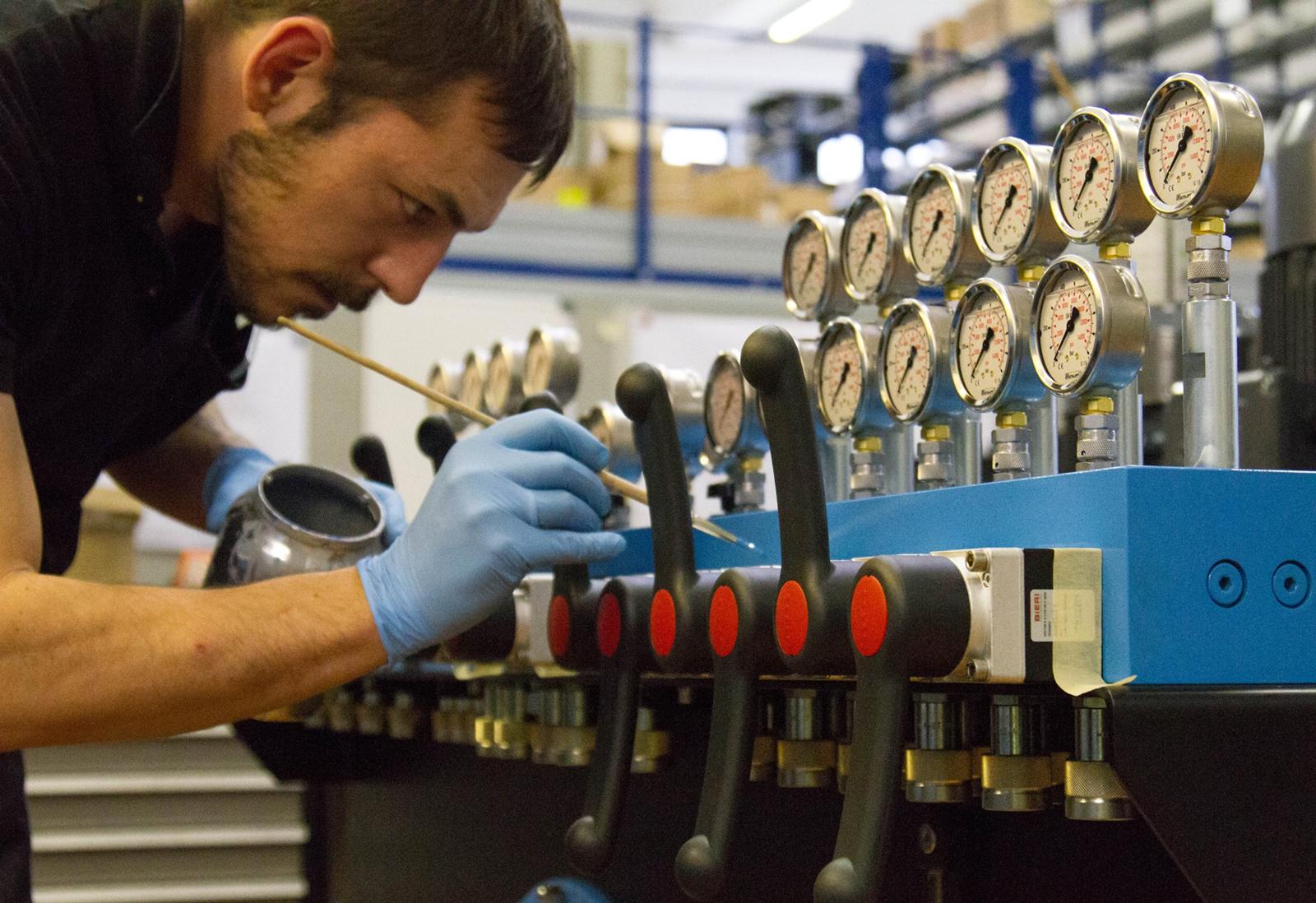manutenzione impianti oleodinamici